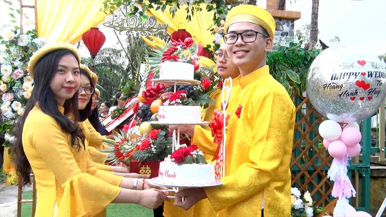 Chụp hình ngày cưới